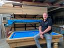 Luc Verhoeven in Biljartfabriek Verhoeven. Het bedrijf doorworstelt de coronacrisis dankzij de grote interesse van particulieren