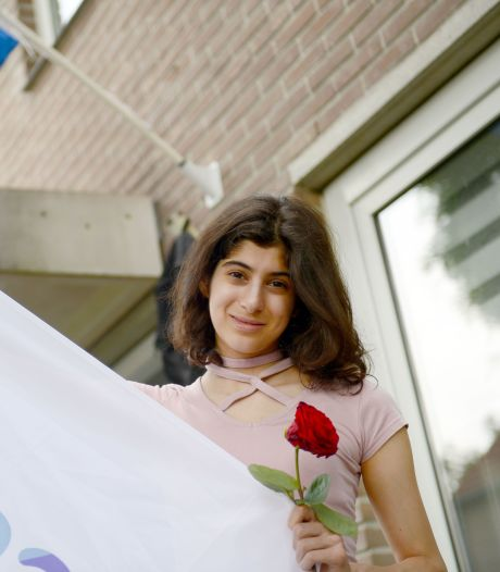 'Gewoon' slagen was voor Enschedese Idilay (18) niet spannend genoeg, dus werd het summa cum laude
