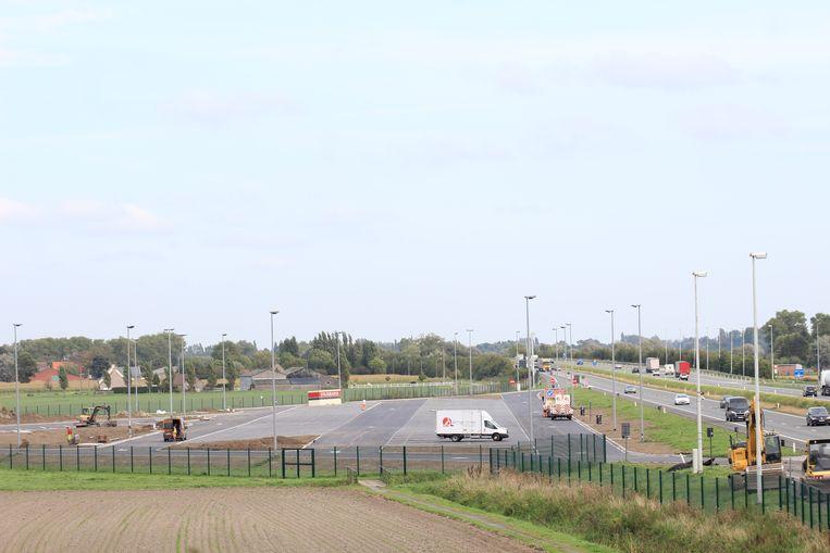 De snelwegparking in Westkerke was het werkterrein van de mensensmokkelaar.