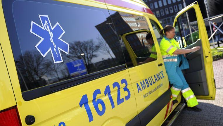 Ambulance Amsterdam komt al ruim een jaar slecht in het nieuws. Beeld anp