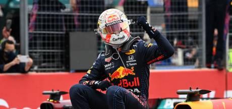 Weergaloze Verstappen klopt Hamilton na late inhaalactie in bloedstollende Franse GP
