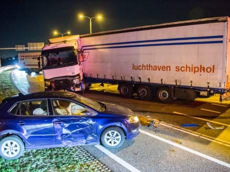 N201 dicht na ongeluk met vrachtwagen en 5 auto's