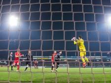 Niet te passeren FC Den Bosch-keeper Van der Steen: 'Het is toch fantastisch wat we meemaken'