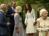 """Kate Middleton trekt zich niets aan van protocol wanneer ze prins Charles ziet: """"Hey, opa!"""""""