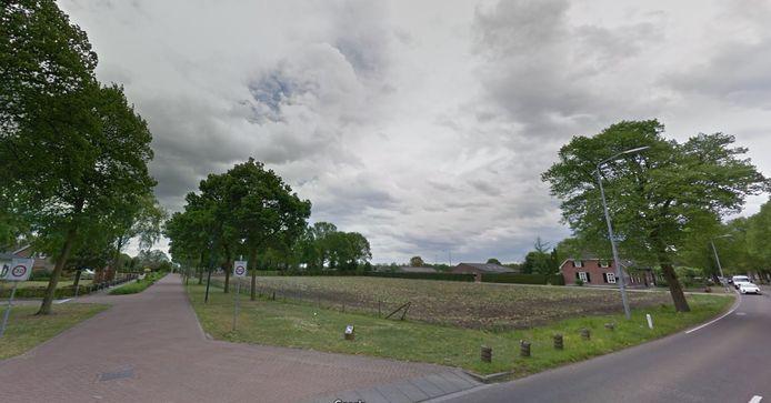 Op deze hoek Kloosterstraat-Brabantstraat moet het nieuwe woonwijkje 'Volkel-Zuid' gaan verrijzen. Er is plek voor 20 woningen.