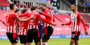 PSV viert een treffer tegen Heracles Almelo, eerder deze maand. Robert van der Wallen wil dat de de rug recht en de prijzenkast uitbreidt.