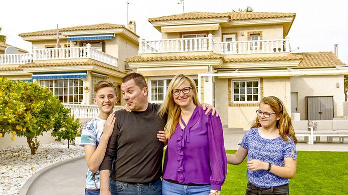 Steve , Inge en hun kinderen Milan en Luna