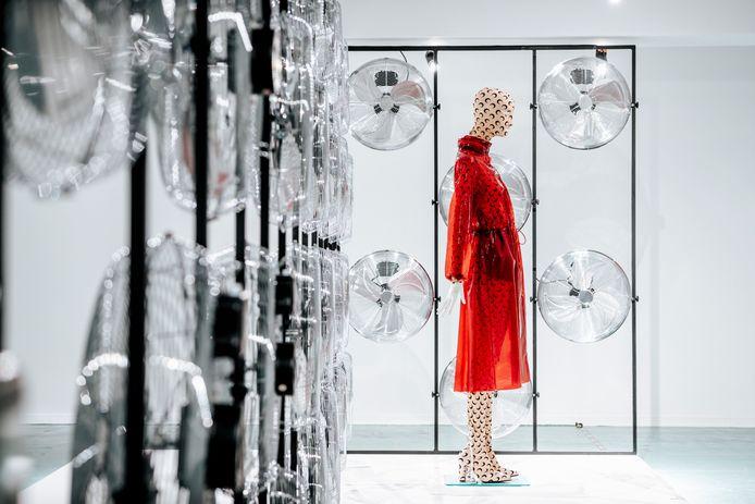 Modeliefhebbers konden al heel wat streetwear-looks bewonderen tijdens de expo 'Activewear' in het Hasseltse Modemuseum.