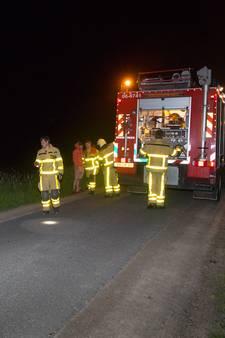 Fietsers voorkomen mogelijk grotere brand na afvaldump in Kamperveen