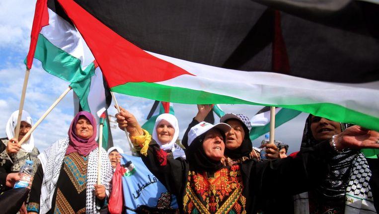 Palestijnse vrouwen in Libanon herdenken in 2013 'de Nakba', de vlucht van de Palestijnen uit het gebied dat nu Israël is. Beeld epa