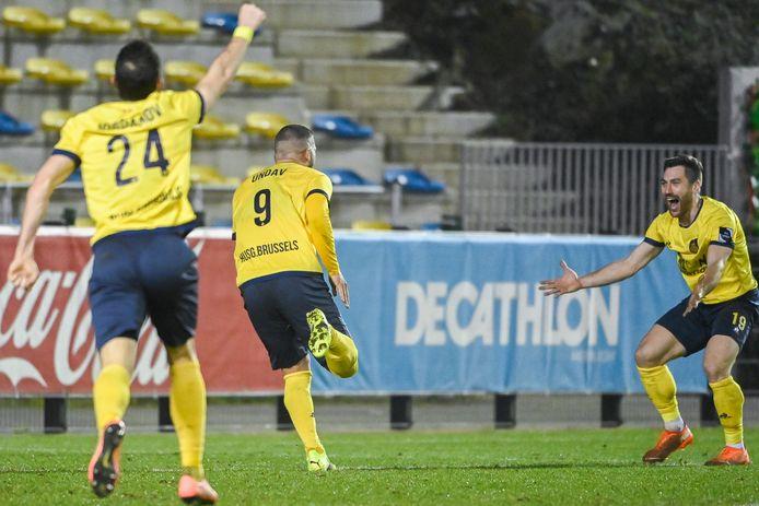 """Deniz Undav: """"Mijn favoriete doelpunt van de avond? De laatste, want die leverde uiteindelijk het meeste op en zorgde ervoor dat iedereen gelukkig van het veld is gestapt."""""""