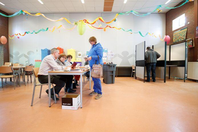 In Hank zijn dit jaar twee locaties om te stemmen voor de Tweede Kamerverkiezingen. Archiefbeeld uit 2018.