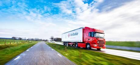 Tielbeke uit Lemelerveld brengt leerlingen met vrachtwagen naar school