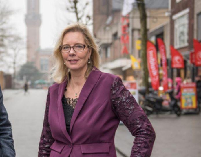 Janet Nijhof, PVV Hengelo wil de intocht in Hengelo.