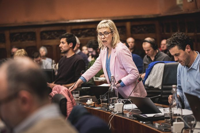Evita Willaert (Groen) maakt zich boos.