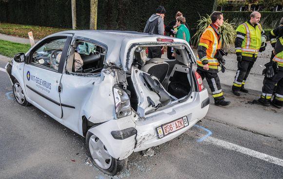 Auto Thuisverpleegster Geramd Door Trucker Tielt Regio Hln