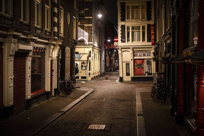 Een verlaten Amsterdam: het beeld voor de komende weken?