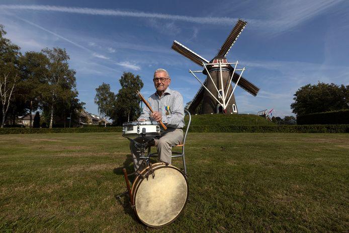 Wim Gilsing is 75 jaar lid van de harmonie in Lieshout.