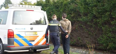 Opslag voor drugs gevonden in loods van wapenhandelaar Jan B. in Hulten, 39-jarige Kroaat aangehouden