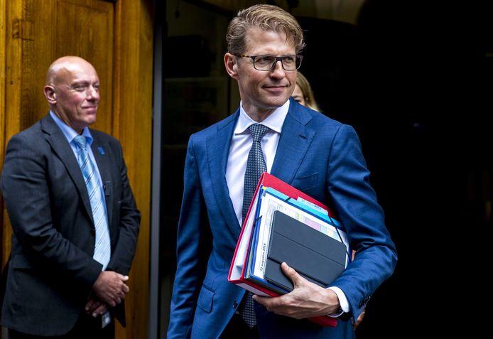 Minister Sander Dekker kreeg een tik op de vingers van de Raad voor Strafrechtstoepassing.