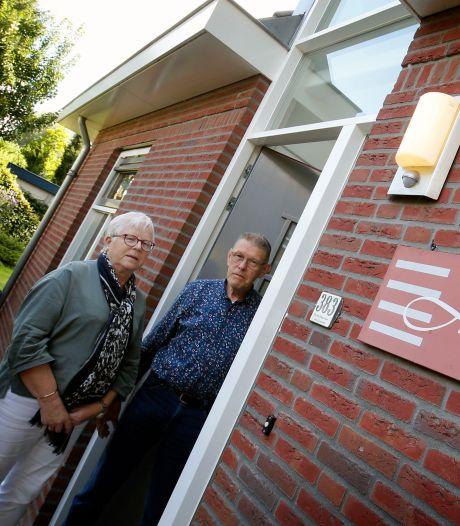 Het huis van Ellen en Dik heet Hemma: 'Voorbijgangers denken vaak dat het om een spelfout gaat'