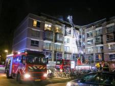 Studenten lezen op Facebook dat er brand is in hun flat in Rotterdam-Crooswijk