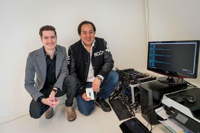 Frank Oonk (rechts) en Jesper Winkelhorst van getAcryp zijn ware bitcoinevangelisten.