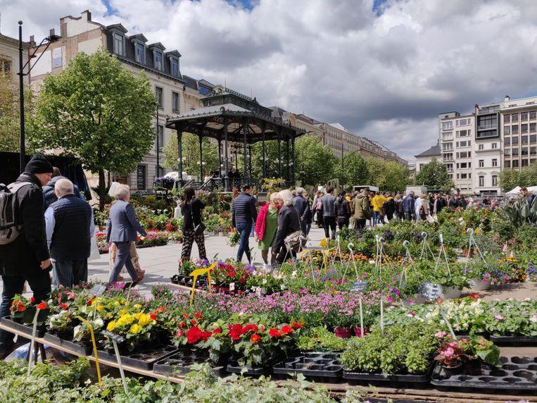 De bloemenmarkt op Moederdag: telkens een publiekstrekker.