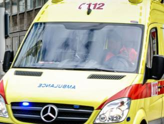 Brandweerman valt van ladder en raakt zwaargewond