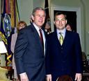 Viktor Orbán (rechts) tijdens een ontmoeting met toenmalig VS-president George W. Bush in 2001