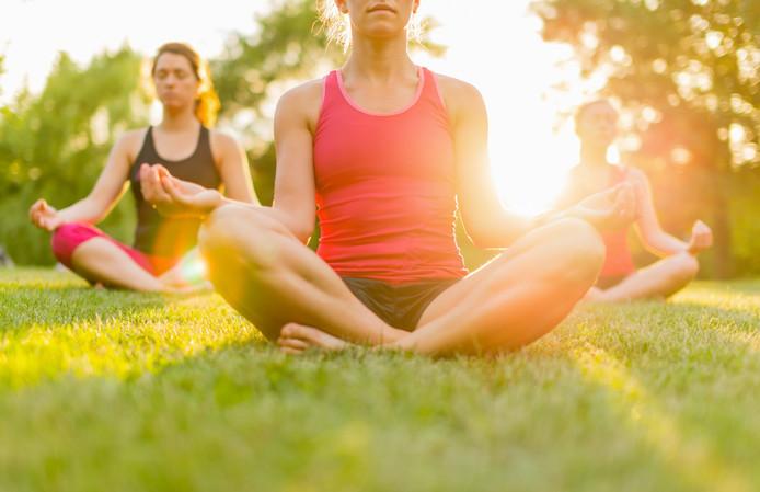 Yoga in het park.