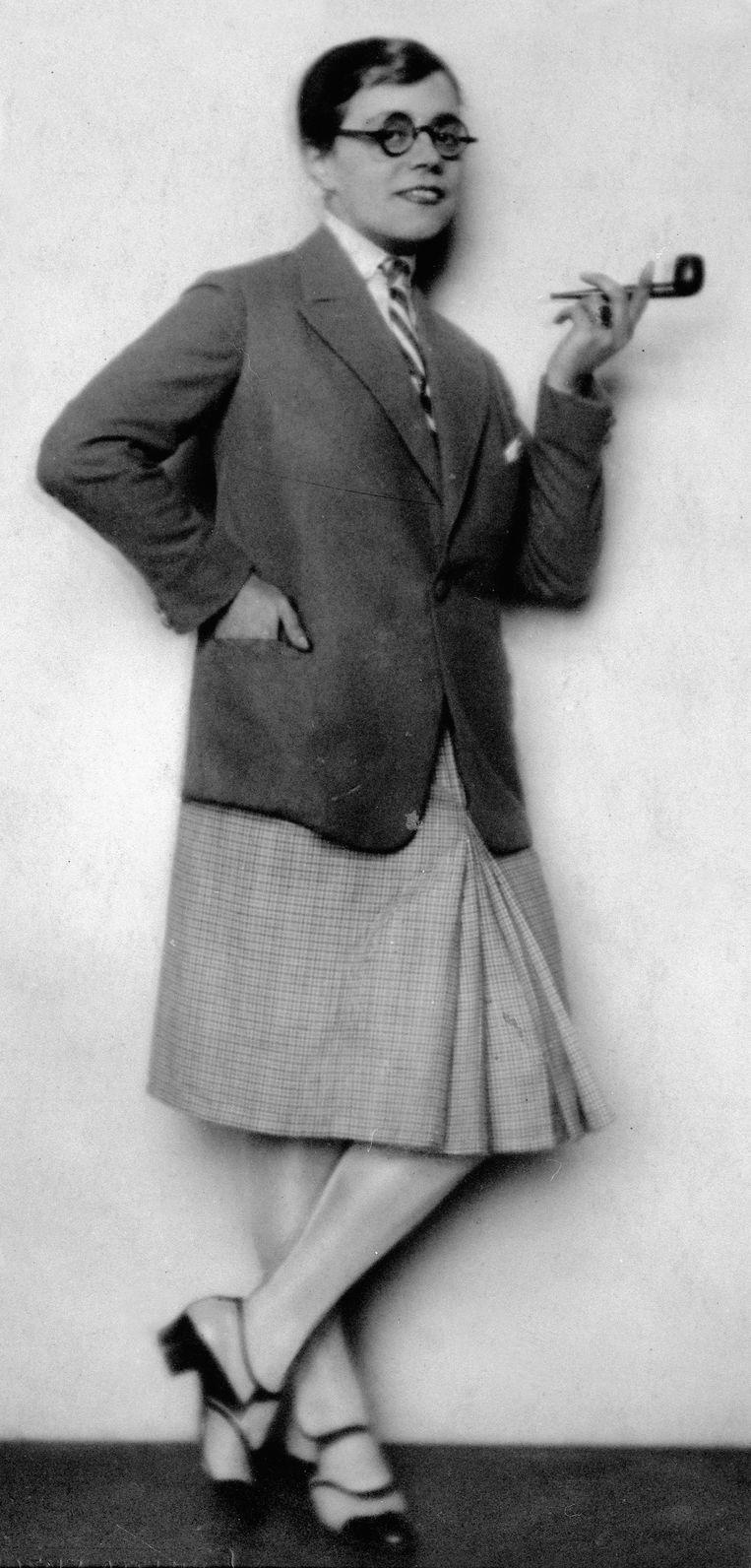 De 'garçonne' oftewel jongensmeisje was in de jaren 1920 het nieuwe ideaal voor de vrouw.  Beeld Getty