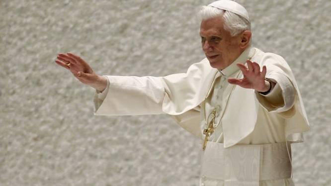 Chef-exorcist Vaticaan zegt dat Paus exorcisme uitvoerde