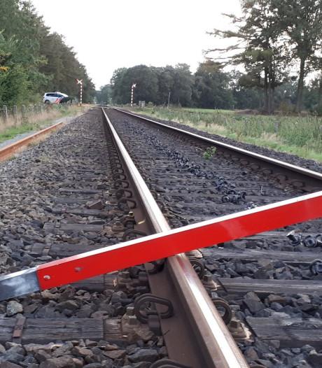Melder van metalen balk op spoor bij Winterswijk voorkomt ongeluk