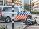 Scooter gaat onderuit in Tilburg, bestuurder zwaargewond