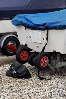 Dieven stelen buitenboordmotoren uit jachthaven Strijensas