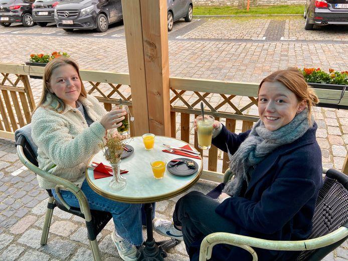 Eerste terrasje bij Bar Frans in Wommelgem