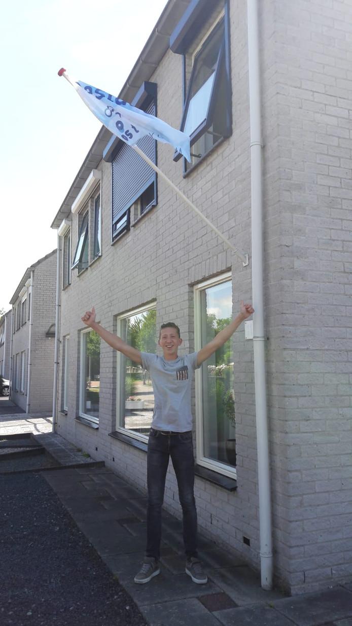 Rens van der Heyde (16) uit Goes heeft zijn vmbo-kader diploma gehaald op het Ostrea Lyceum jn Goes.