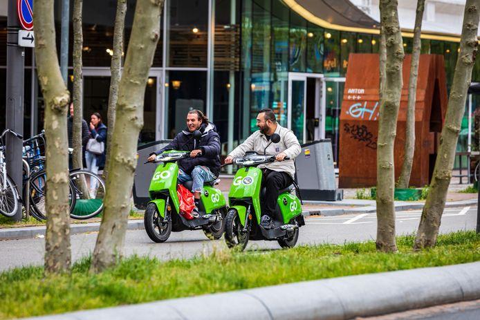 Elektrische deelscooters zijn in veel plaatsen inmiddels een vertrouwd gezicht.