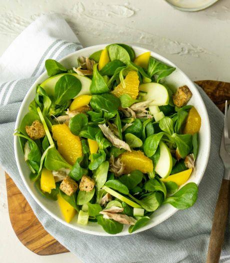 Wat Eten We Vandaag: Frisse salade met makreel en sinaasappelvinaigrette