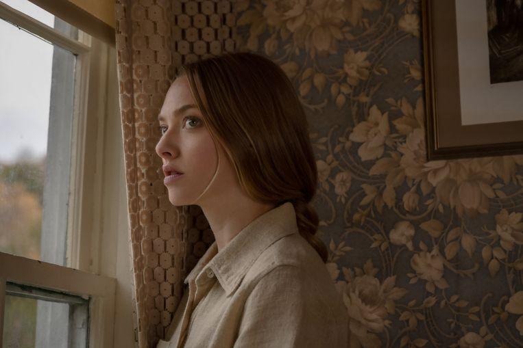 Amanda Seyfried als Catherine Clare in Things Heard & Seen. Beeld Anna Kooris/NETFLIX