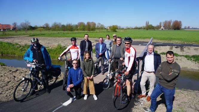 Veiliger pad leidt fietsers weg van loskade langs kanaal Plassendale-Nieuwpoort