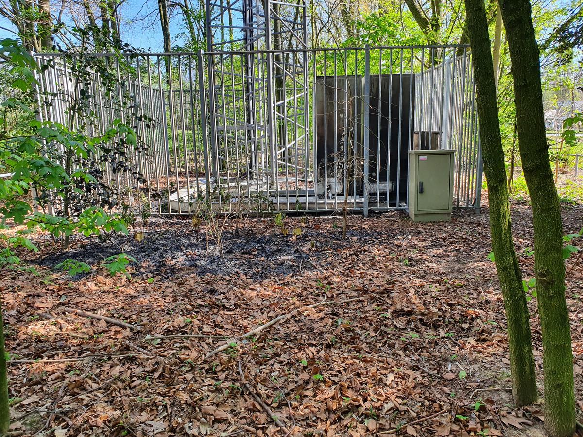 Brandstichting bij zendmast in Veldhoven.