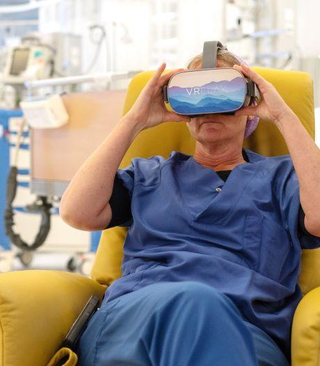 Verpleegkundigen UMC Utrecht kunnen na hun dienst relaxen op een virtueel strand