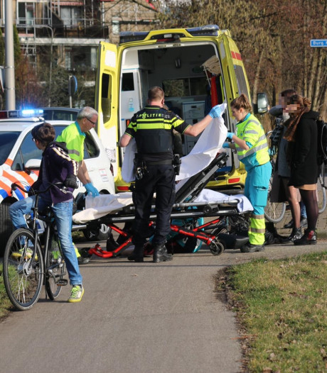 Gewonde bij botsing tussen twee fietsers in Gouda