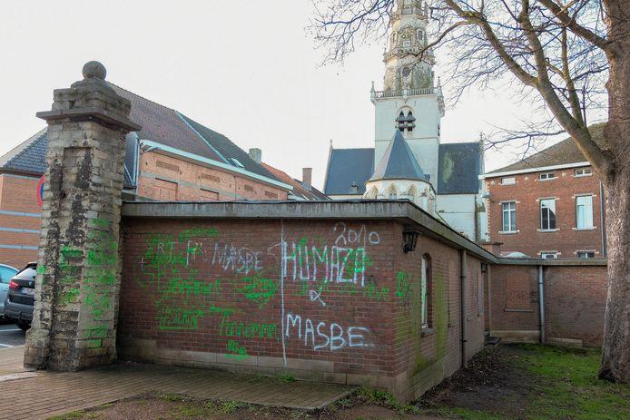 Vandalisme in de buurt van het kerkplein.