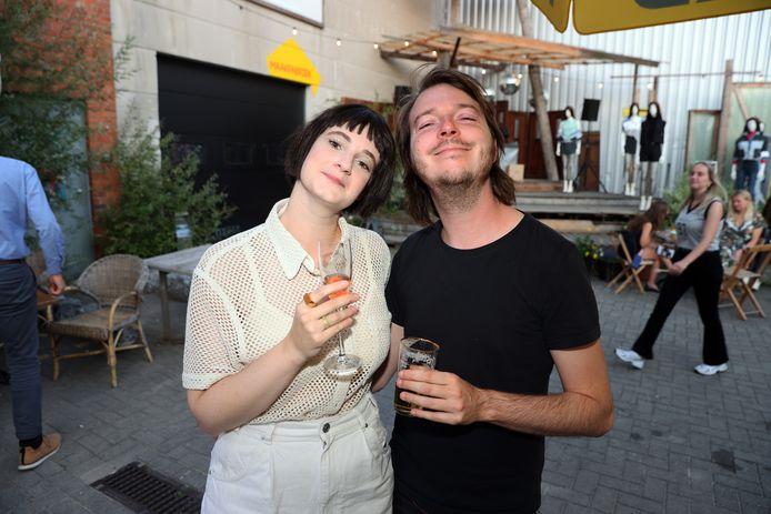 Zangeres Noémie Wolfs was van de partij met haar vriend Simon.