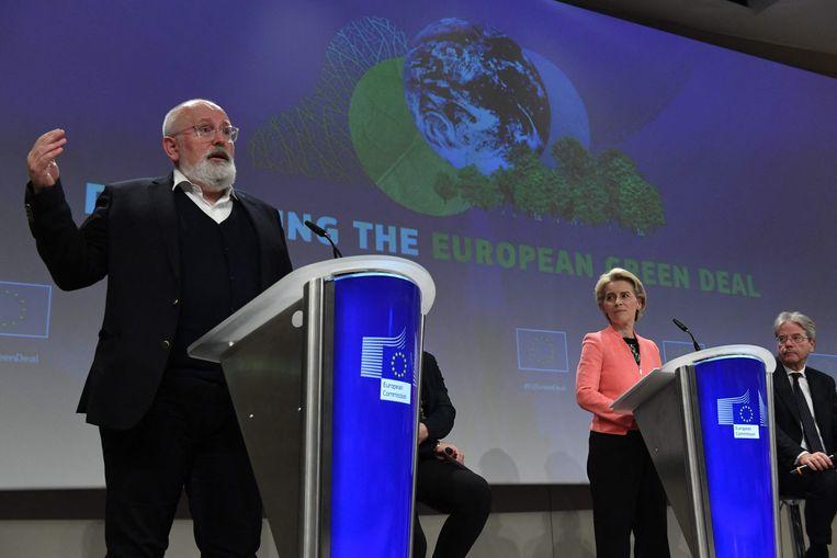 Vice-voorzitter van de Europese Commissie Frans Timmermans en voorzitter Ursula von der Leyen bij de presentatie van de Europese Green Deal. Beeld AFP