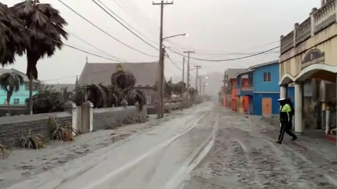 IN BEELD. Het blijft rommelen op Caribisch eiland Saint Vincent, dat onder dik deken van vulkaanas zit