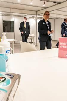 Met meer prikken dan gedacht gaat Deventer vaccinatielocatie maandag van start